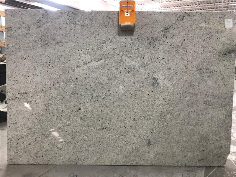 Colomial White Granite Slabs Indian Competitive White Polished Granite Slabs