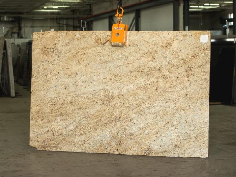 Colonial Gold Granite Slabs Indian Competitive Beige Granite Slabs