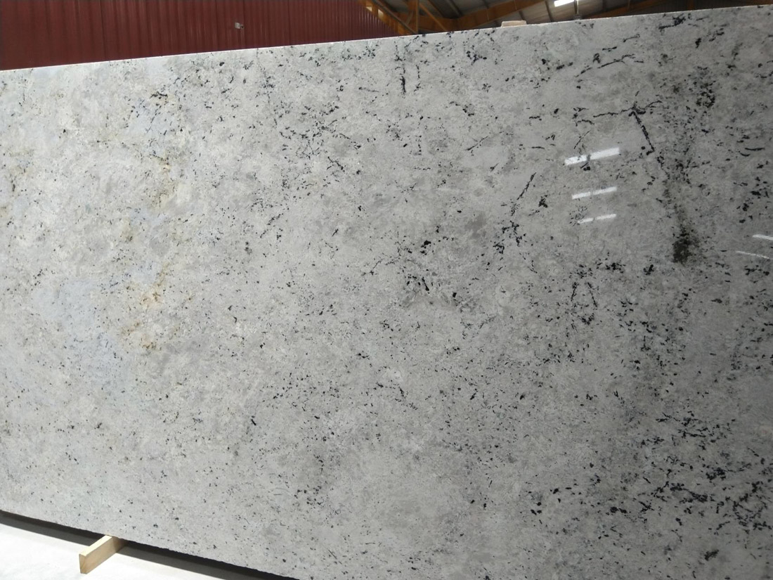 Colonial White Slabs Indian Top Quality Granite Slabs