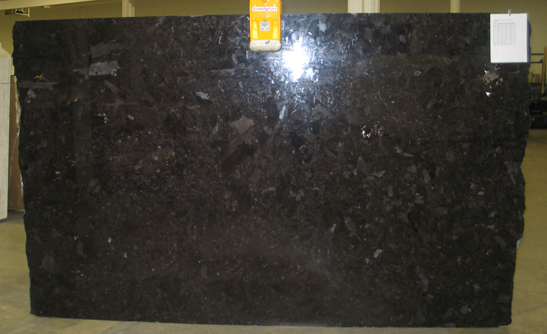 Competitive Brown Antique 3cm Granite Slabs for Kitchen Countertops