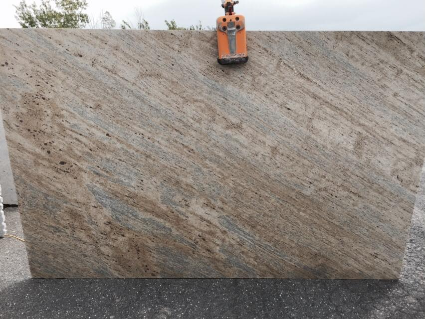 Competitive Kashmir Gold Granite Slabs from India