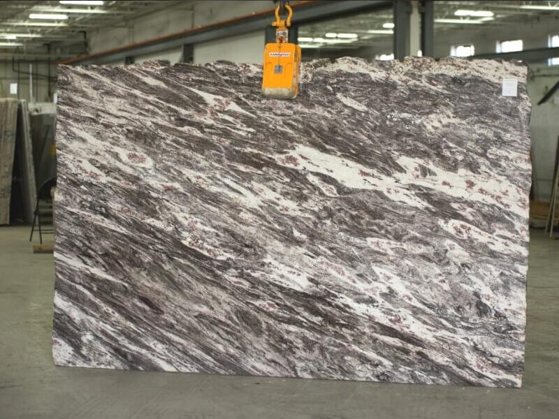 Competitive Rocky Mountain 3cm Granite Stone Slabs for Countertops