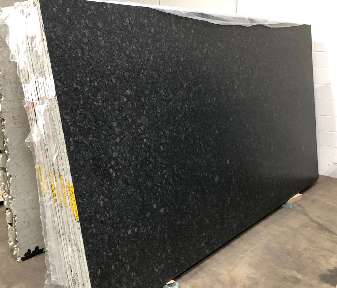 Competitive Steel Gray Leather Granite Slabs for Kitchen Countertops