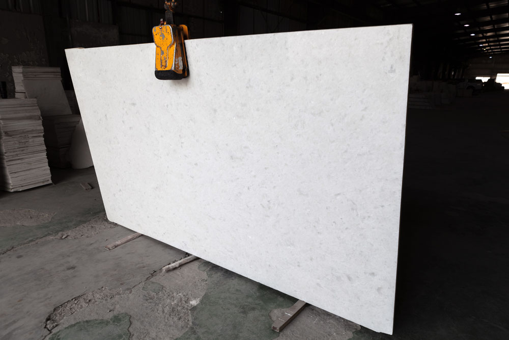 DIAMOND WHITE Marble Slabs