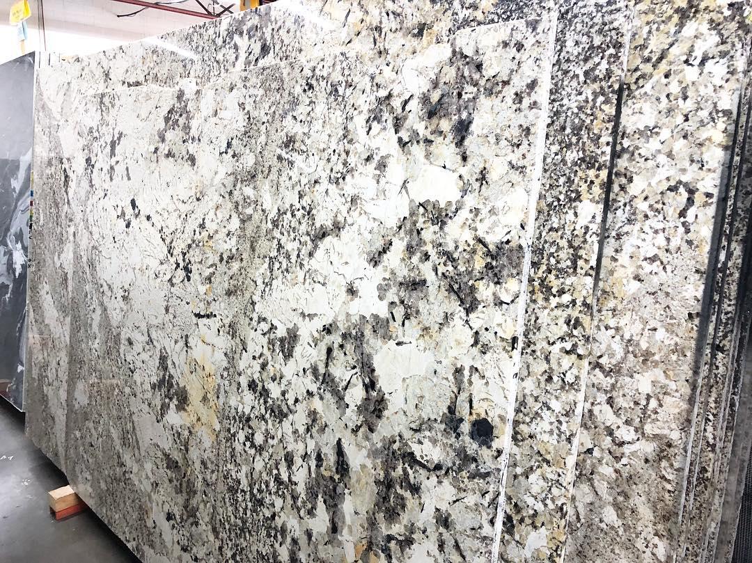 Delicatus Extra Granite Polished Granite Slabs