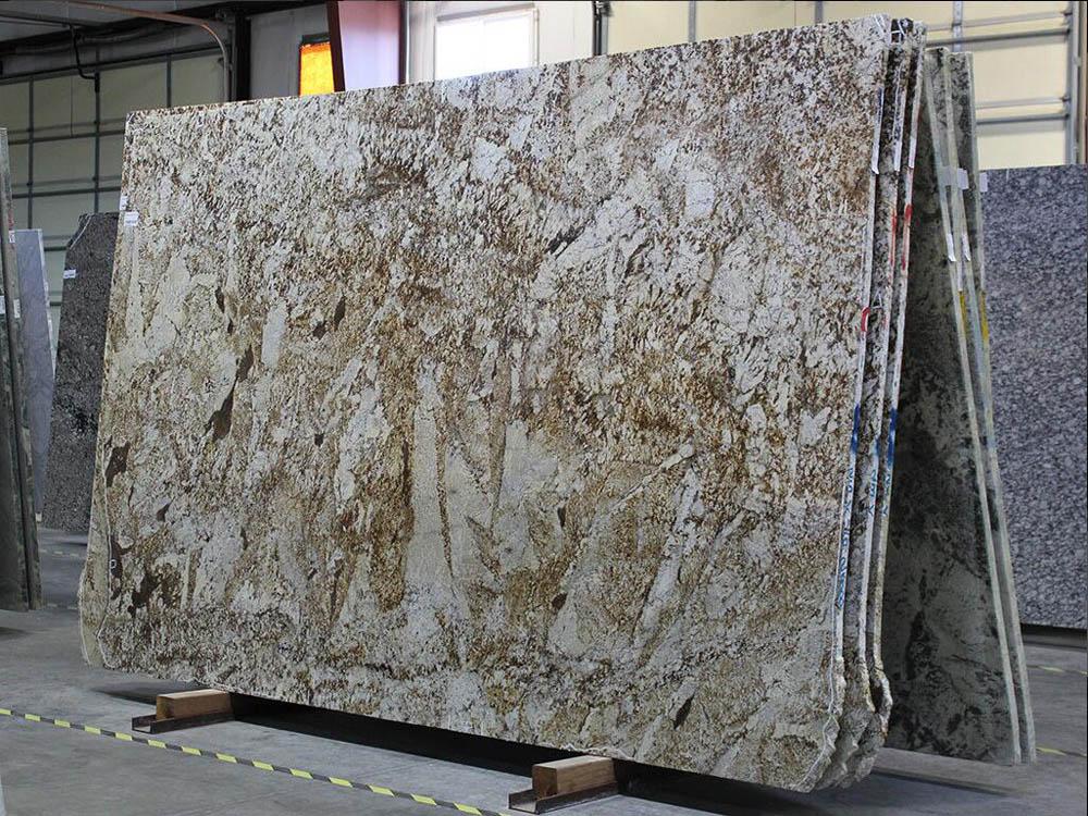 Desert Beach Granite Slabs Brazilian Yellow Granite Slabs for Countertops