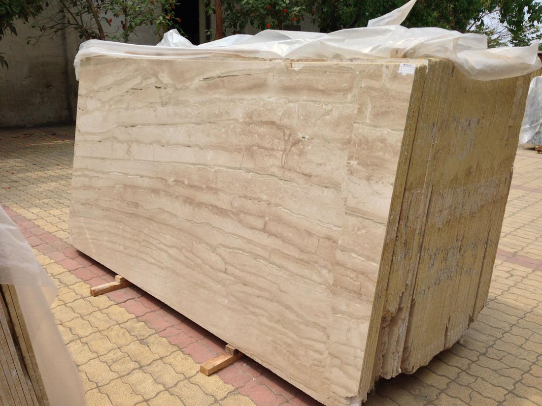 Dyna Straight Line Light Color Polished Marble Slabs