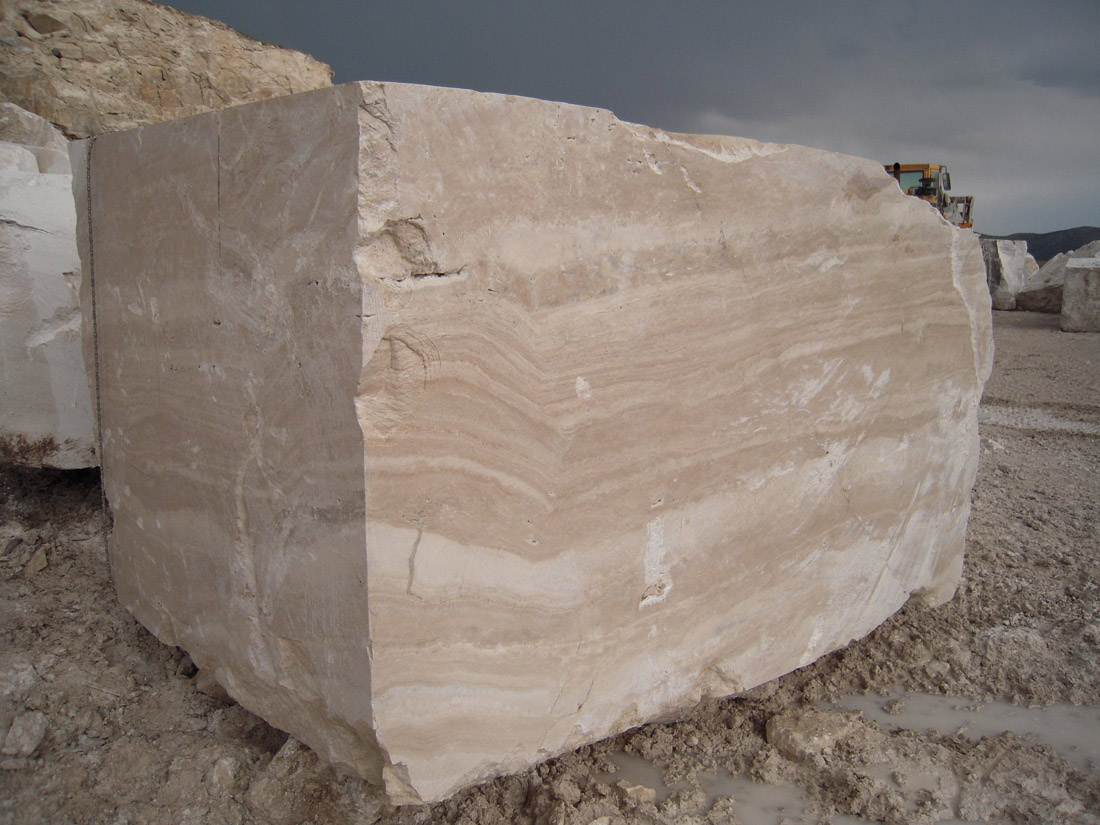 Elegant Alabastrino Travertine Stone Blocks