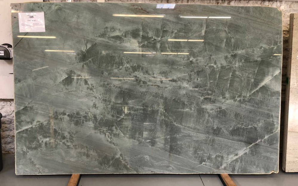 Emerald Green Quartzite Slabs Brazilian Polished Quartzite Slabs