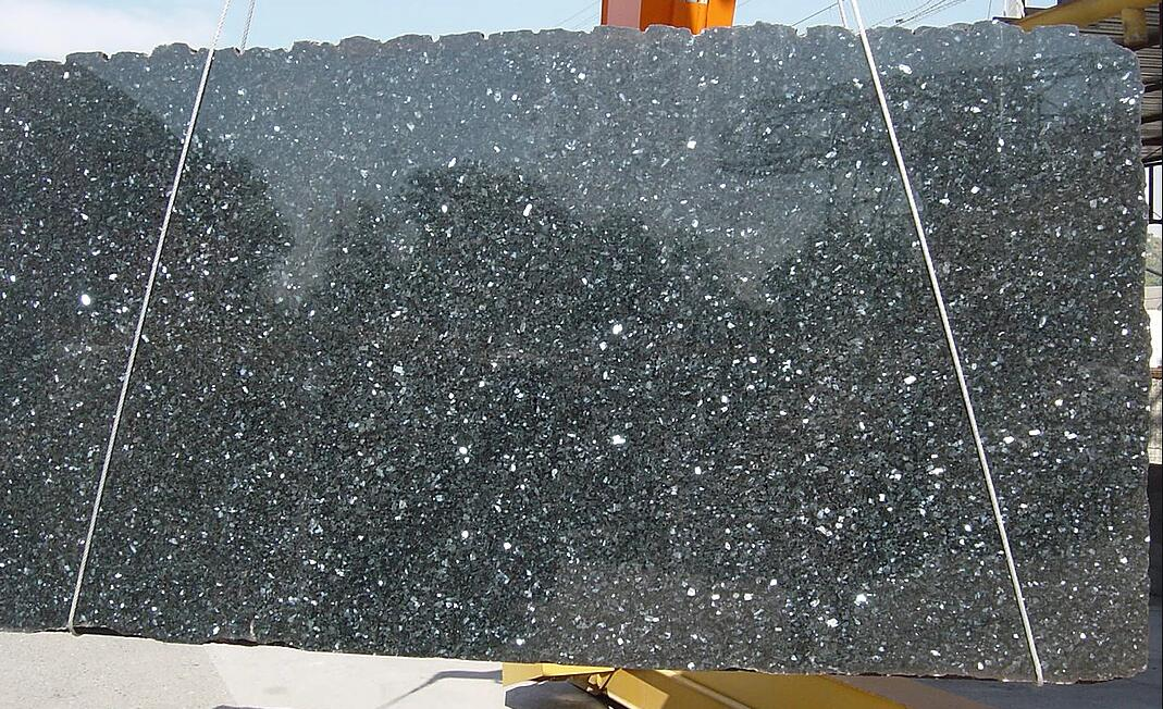 Emerald Pearl Granite Slabs Blue Polished Granite Slabs