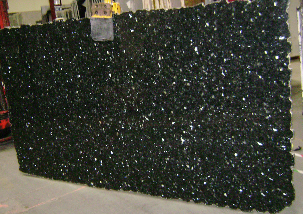Emerald Pearl Granite Slabs Polished Green Granite Stone Slabs