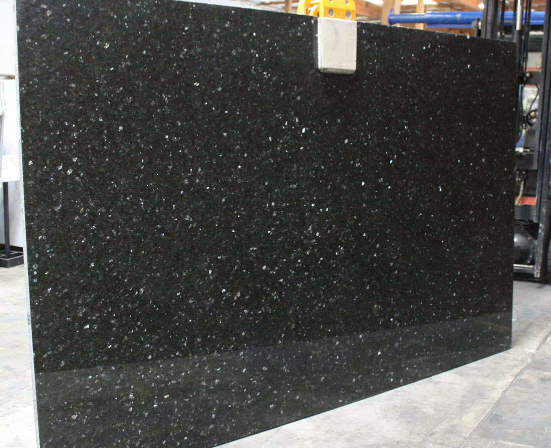 Emerald Pearl Polished Granite Slabs Competitive Granite Slabs for Countertops