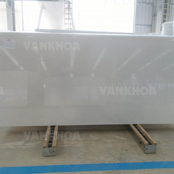Fine Grain Snow White Marble Slabs