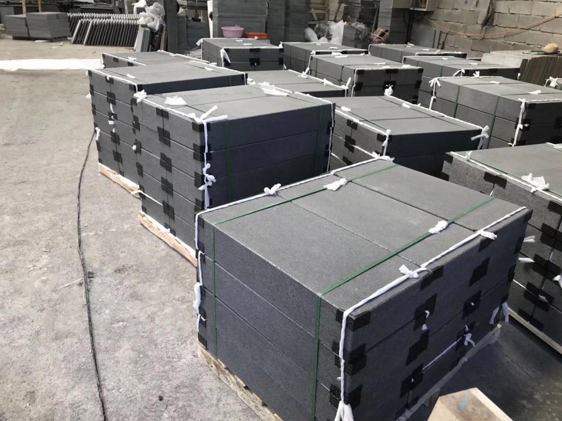 G3084 All Flamed Granite Steps
