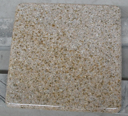 G682 Golden Granite Tiles Polished Yellow Flooring Tiles