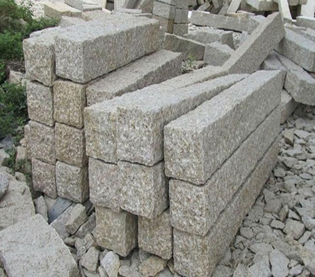 G682 Granite Kerbstone