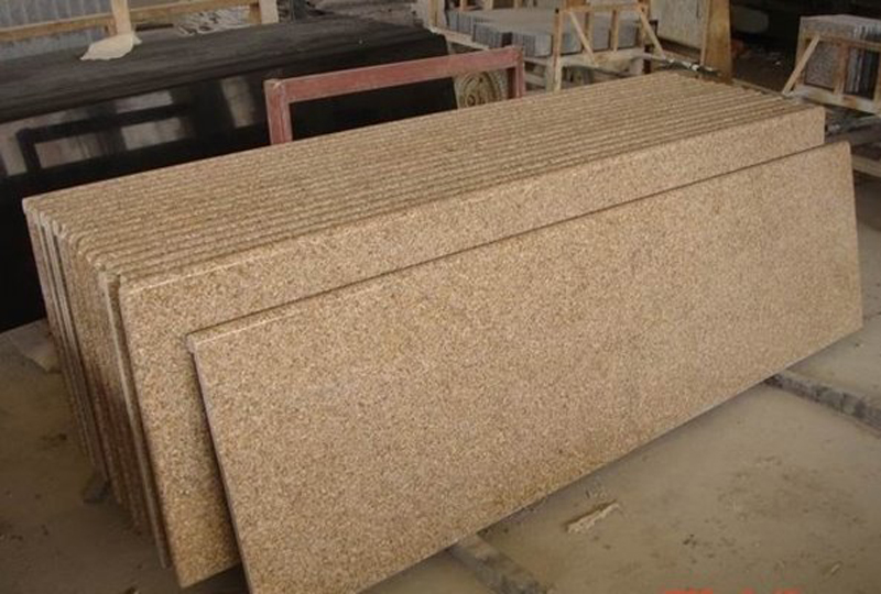 G682 Yellow Granite Countertop for Kitchen and Bathroom