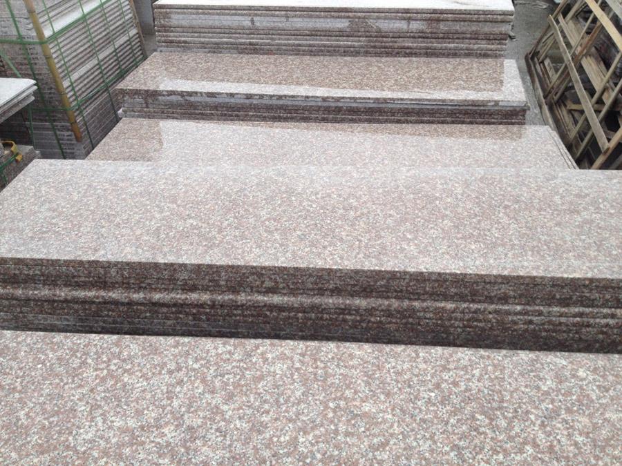 G687 Granite Steps