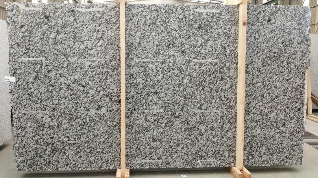 Gran Perla Granite Slabs Spain 3CM White Granite Slabs