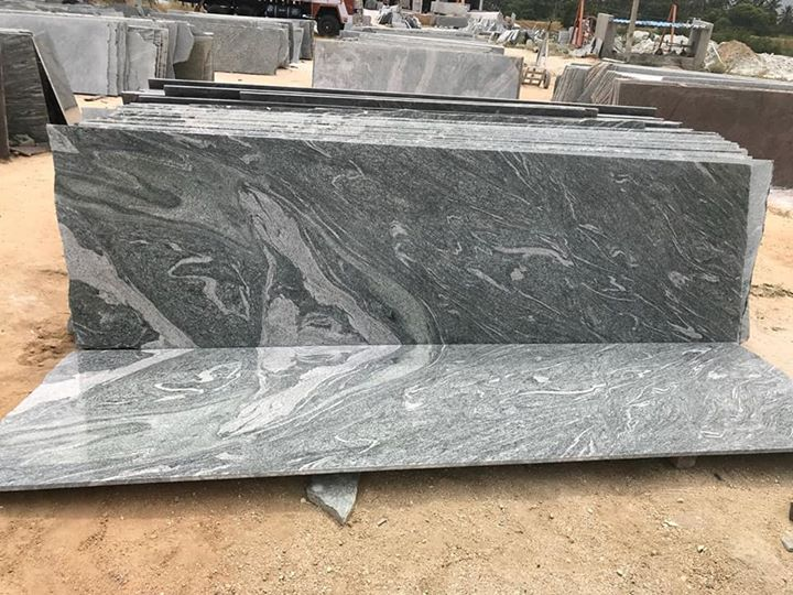 Green Granite Polished for Kitchen Countertops