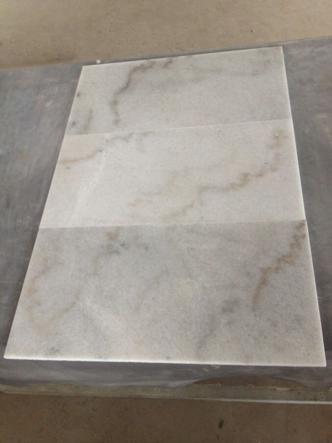 Guangxi White Marble Tiles for Flooring and Walling