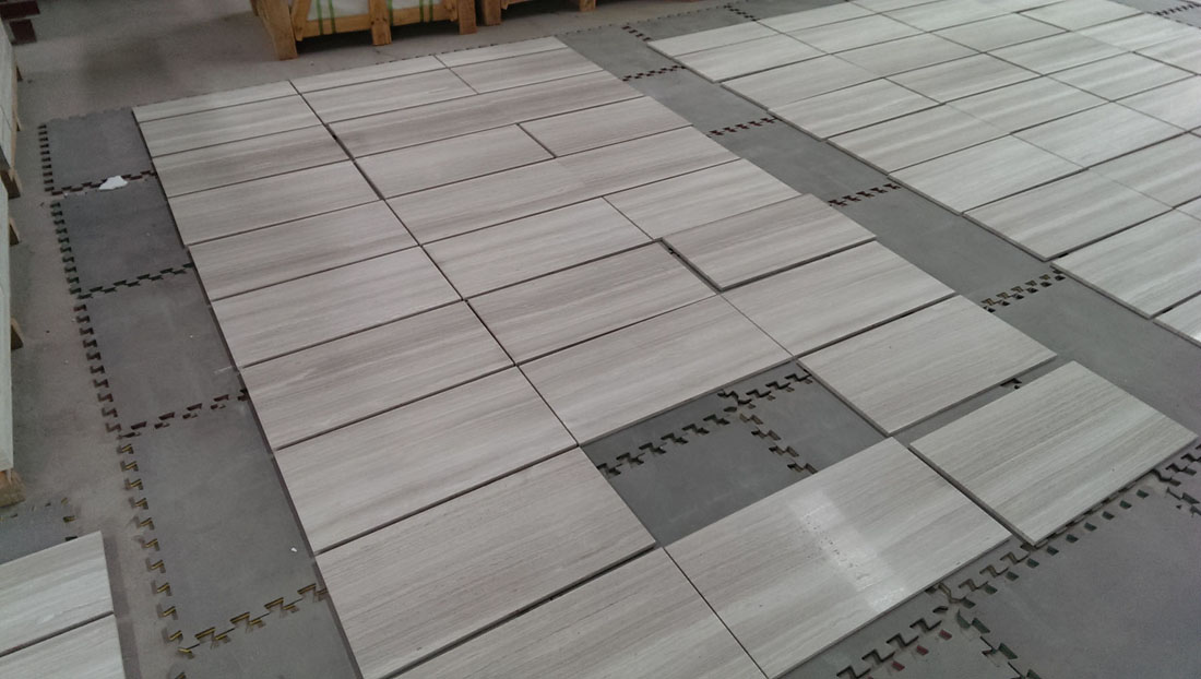 Guizhou White Serpeggiante Wood Line Grey White Marble Floor Covering