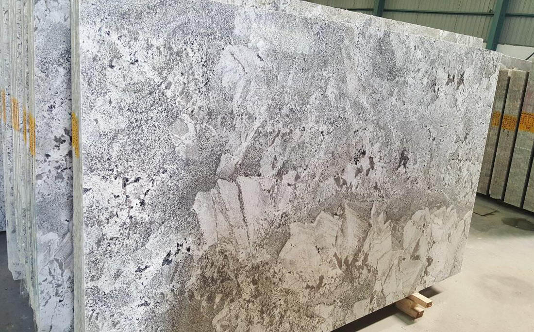 Hot Selling Alpine White Polished Granite Slabs