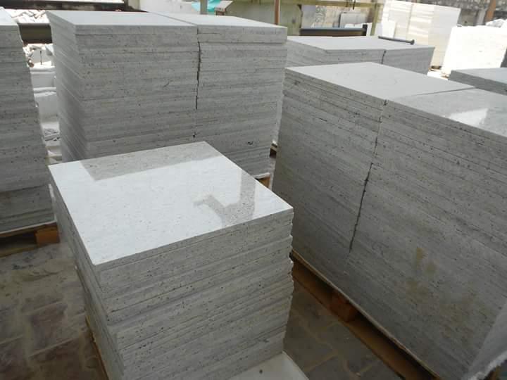 Hot Selling Kashmir White Polished Granite Tiles
