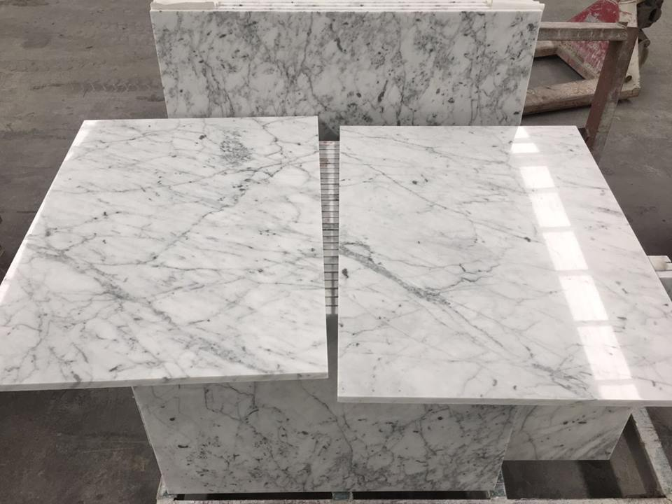 Hot Selling White Polished Venato Carrara Marble Tiles