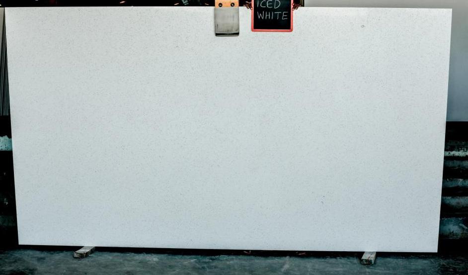 Iced White Quartz Slabs White Artificial Stone Slabs