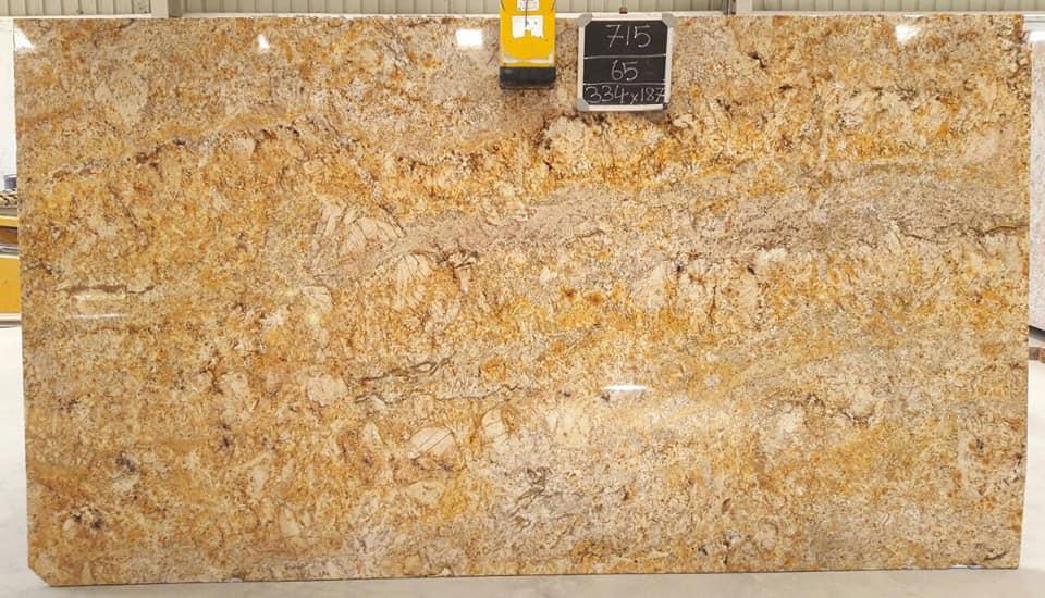 Imperial Gold Granite Slabs Yellow Polished Granite Slabs