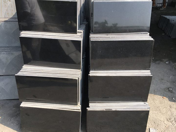 Indian Absolute Black Polished Granite Tiles