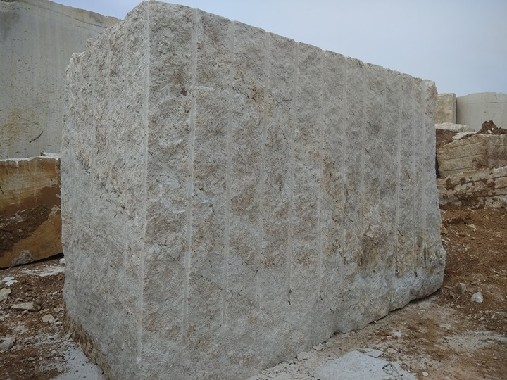 Indian Granite Blocks Ivory Cream Granite Blocks