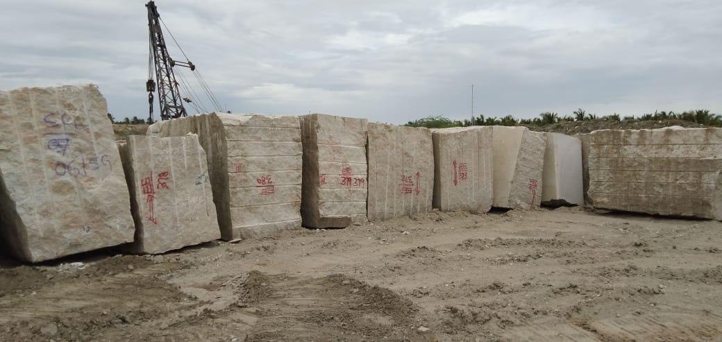 Indian Kashmeer White Natural Granite Blocks