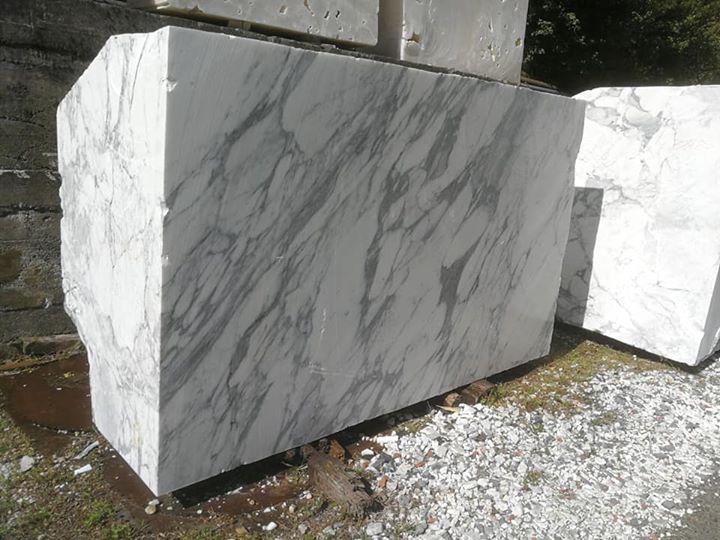 Italian Stauario White Marble Blocks