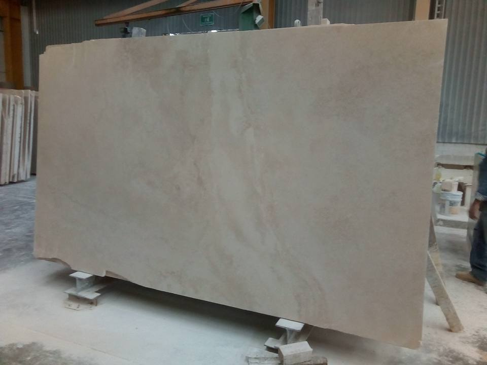 Italian Travertino Tipo Navona Beige Travertine Slabs