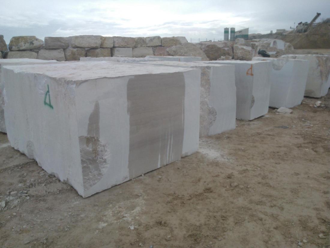 Italy Beautiful Serpeggiante Blocks Beige Natural Marble Blocks