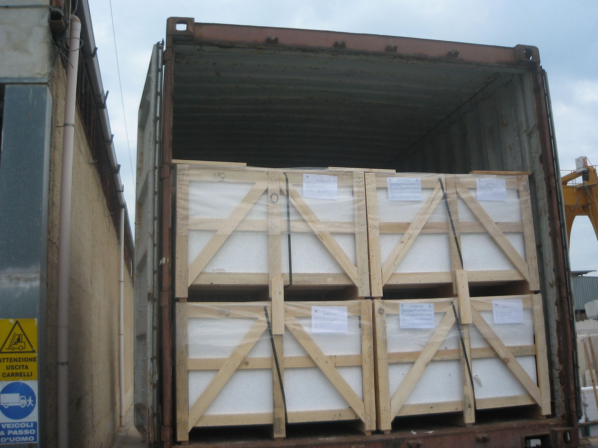 Italy Marble Tiles Packing and Loading