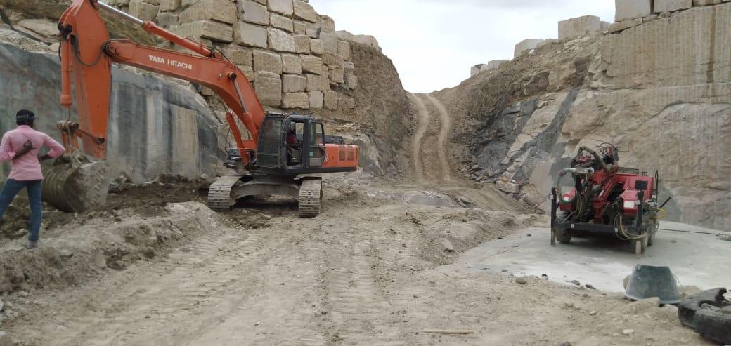 Kashmeer White Block Natural Granite Blocks from Indian Quarry