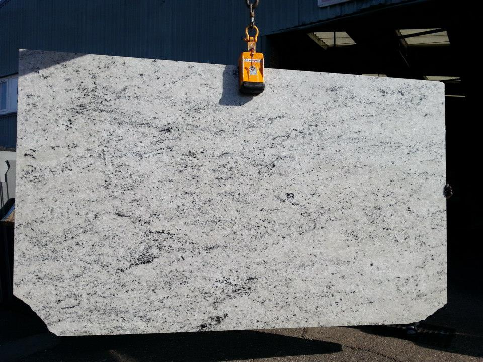 Kashmir White Granite Slabs Polished White Granite Slabs