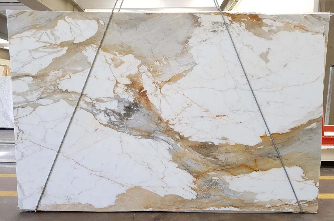 Macchia Vecchia Polished White Marble Slabs