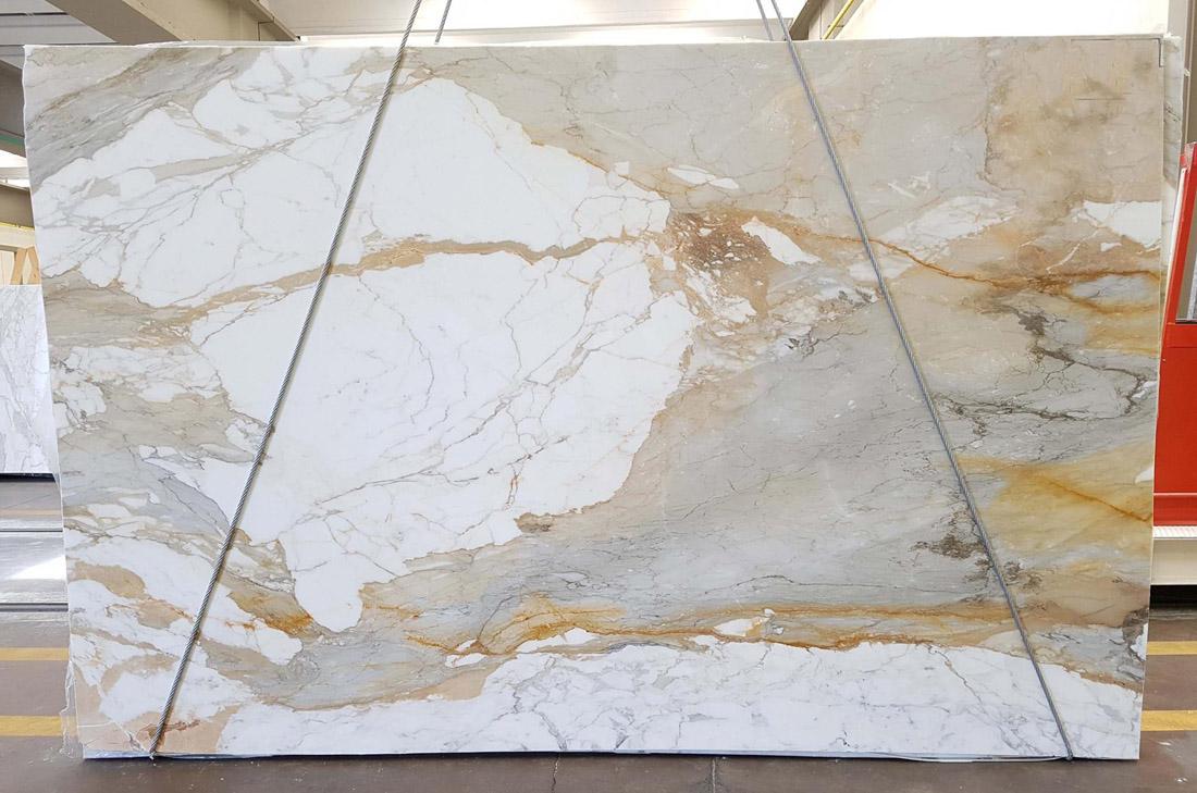 Macchia Vecchia White Marble Slabs from Spain
