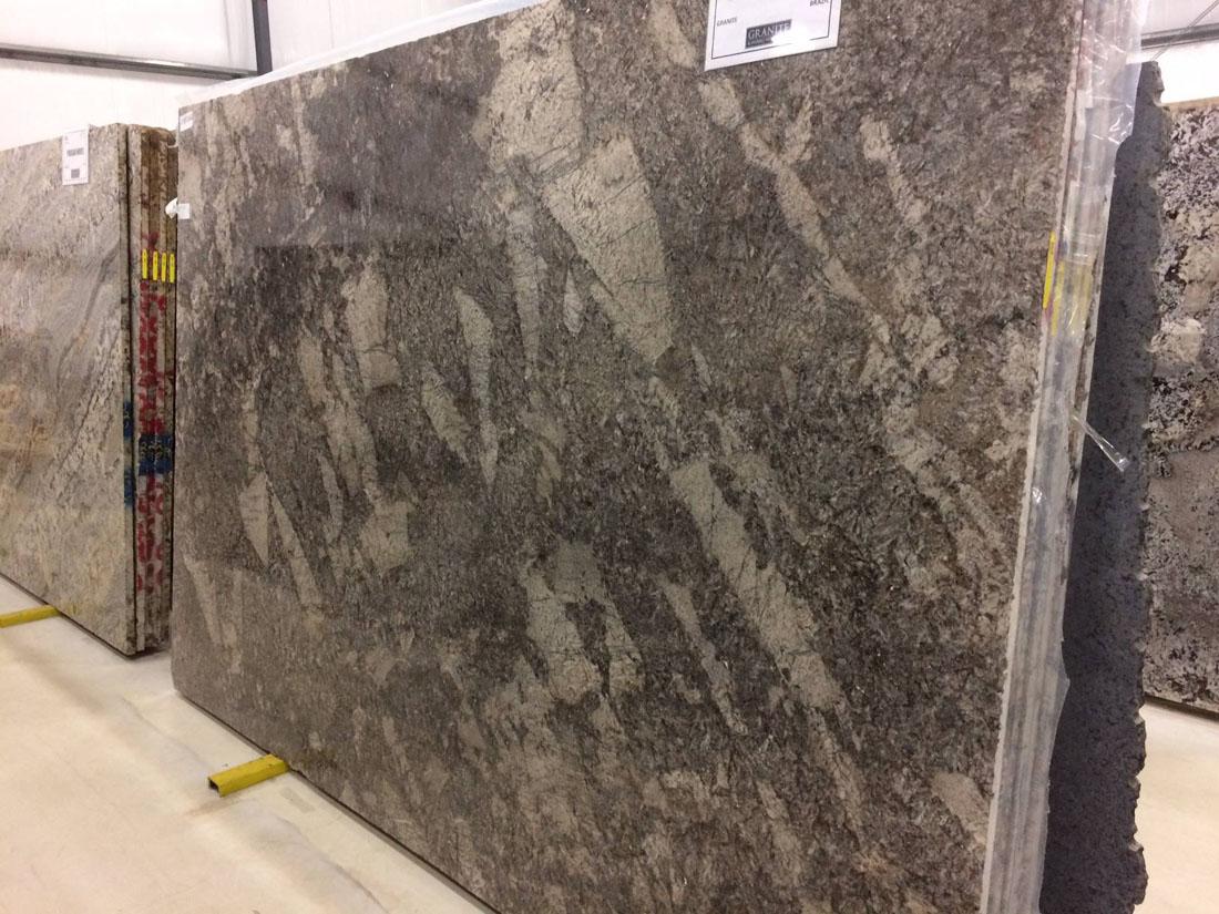 Magnific Dark Granite Slab Brazilian Granite Slabs