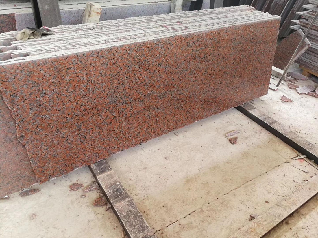 Maple Red Granite Slabs for Kitchen Countertops