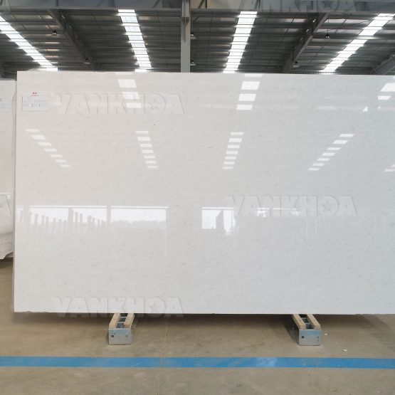 Medium Grain Queen White Marble Slabs