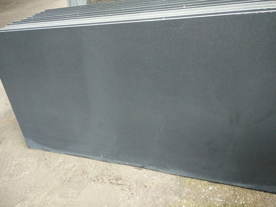 Monglia Black Basalt Slabs from Chinese Supplier