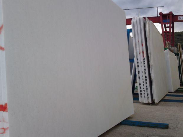 NAXOS EXTRA WHITE Marble in Blocks Slabs Tiles