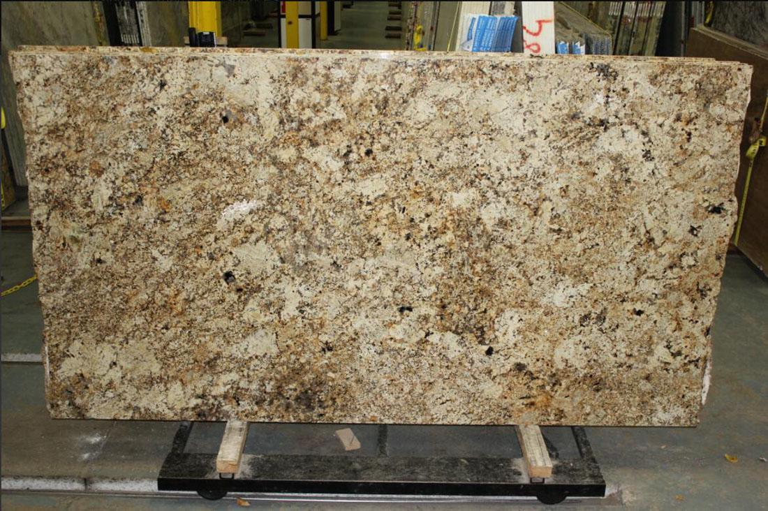 Namibian Gold Light Granite Slabs Yellow Granite Slabs for Countertops