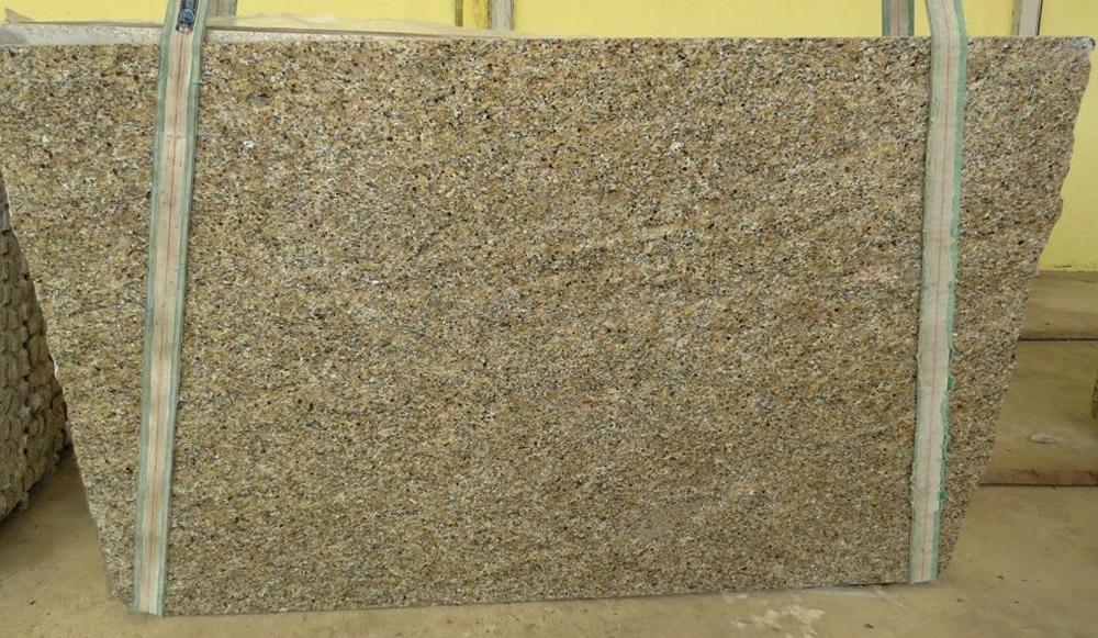 New Venetian Gold Slabs Brazil Yellow Granite Polished Slabs