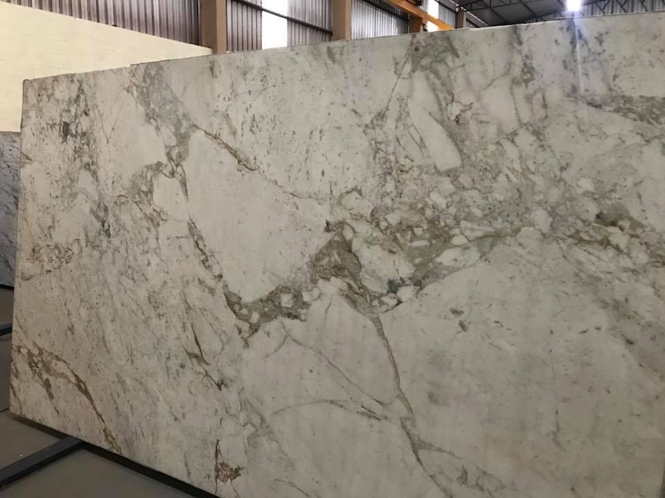 Novulato White Polished Marble Slabs